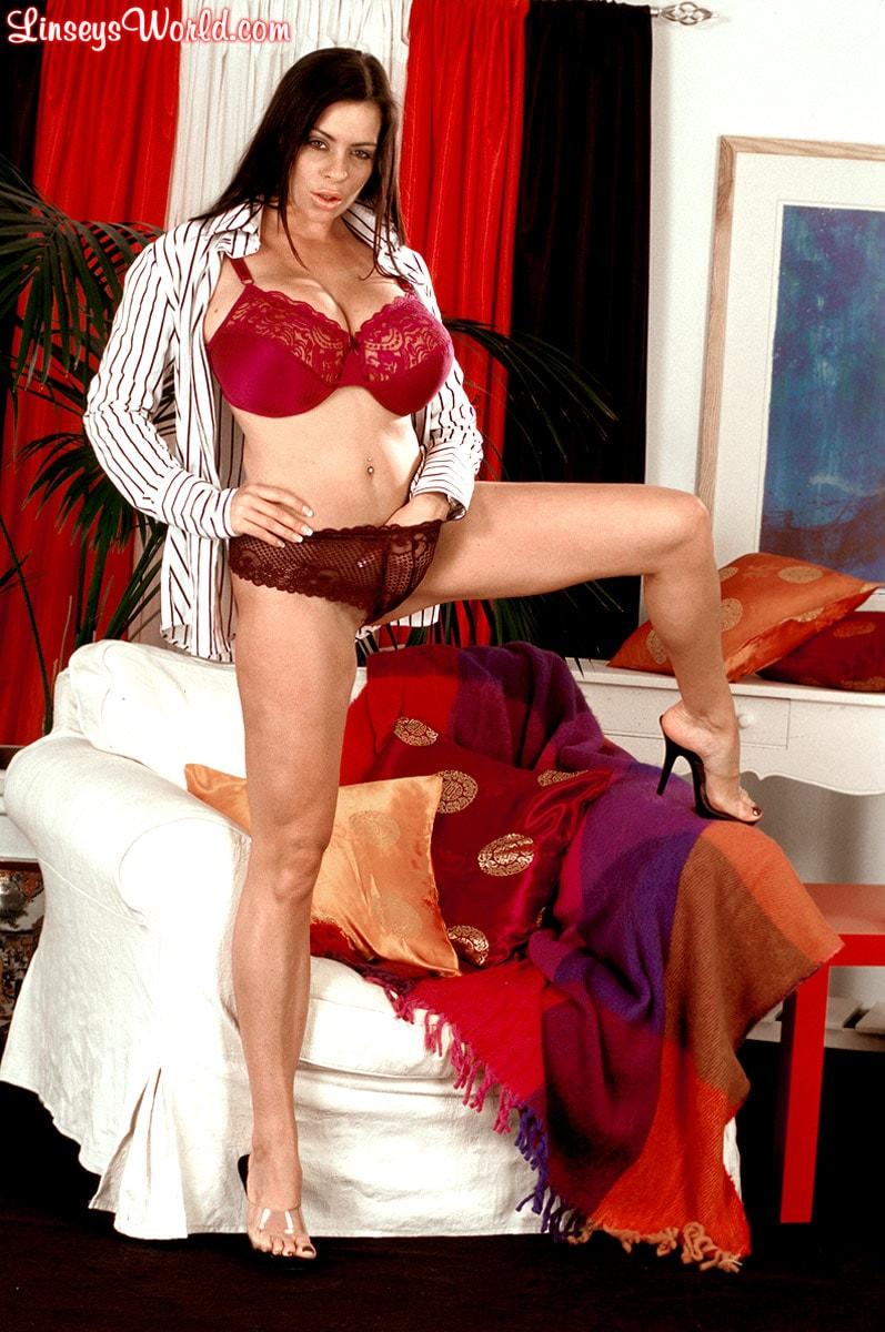 Linsey Dawn McKenzie 'Dressed To Spill' starring Linsey Dawn McKenzie (Photo 6)