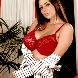 Linsey Dawn McKenzie in 'Linsey Dawn McKenzie' Dressed To Spill (Thumbnail 10)