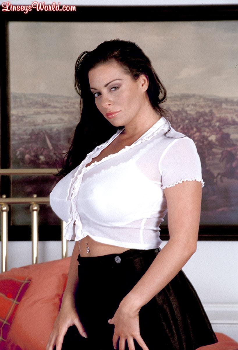 Linsey Dawn McKenzie 'Hottie' starring Linsey Dawn McKenzie (Photo 2)