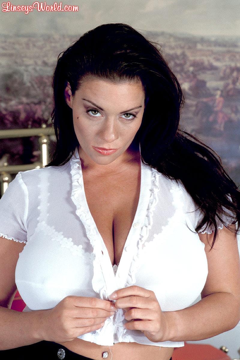 Linsey Dawn McKenzie 'Hottie' starring Linsey Dawn McKenzie (Photo 5)