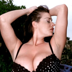 Linsey Dawn McKenzie in 'Linsey Dawn McKenzie' Lazing In The Grass (Thumbnail 3)