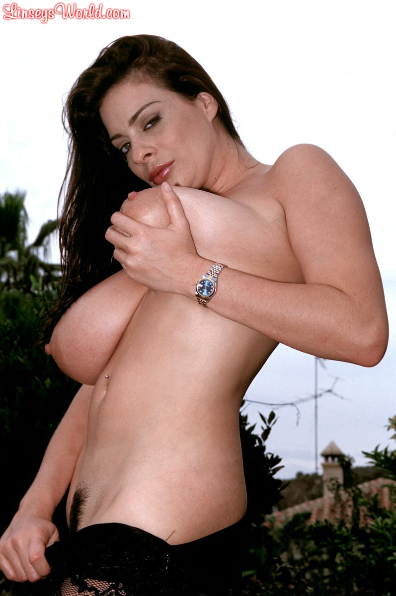 Linsey Dawn McKenzie 'Lazing In The Grass' starring Linsey Dawn McKenzie (Photo 11)