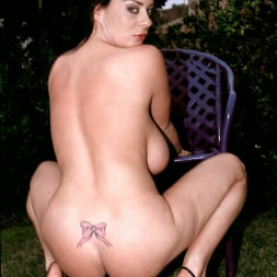 Linsey Dawn McKenzie in 'Linsey Dawn McKenzie' Lazing In The Grass (Thumbnail 14)