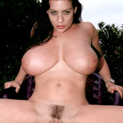 Linsey Dawn McKenzie in 'Linsey Dawn McKenzie' Lazing In The Grass (Thumbnail 15)