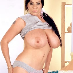 Linsey Dawn McKenzie in 'Linsey Dawn McKenzie' Lets Dance (Thumbnail 7)