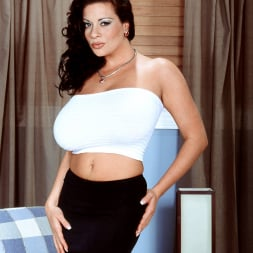Linsey Dawn McKenzie in 'Linsey Dawn McKenzie' Linsey To Die For (Thumbnail 2)