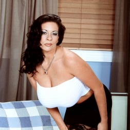 Linsey Dawn McKenzie in 'Linsey Dawn McKenzie' Linsey To Die For (Thumbnail 3)