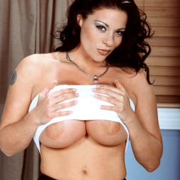 Linsey Dawn McKenzie in 'Linsey Dawn McKenzie' Linsey To Die For (Thumbnail 6)