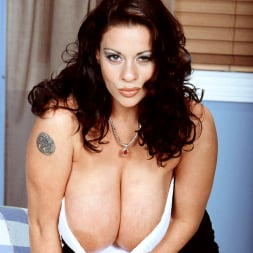 Linsey Dawn McKenzie in 'Linsey Dawn McKenzie' Linsey To Die For (Thumbnail 11)