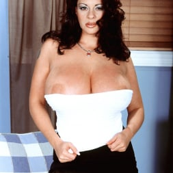 Linsey Dawn McKenzie in 'Linsey Dawn McKenzie' Linsey To Die For (Thumbnail 12)