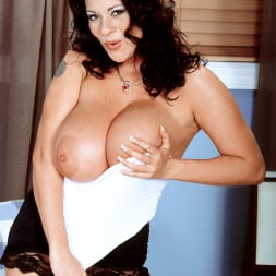 Linsey Dawn McKenzie in 'Linsey Dawn McKenzie' Linsey To Die For (Thumbnail 13)