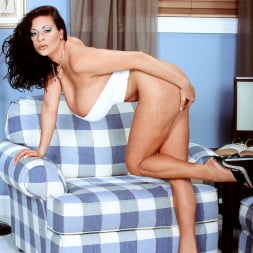 Linsey Dawn McKenzie in 'Linsey Dawn McKenzie' Linsey To Die For (Thumbnail 15)