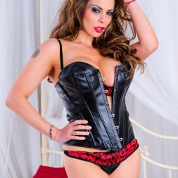 Linsey Dawn McKenzie in 'Linsey Dawn McKenzie' Linsey is Spreading And Playing (Thumbnail 1)