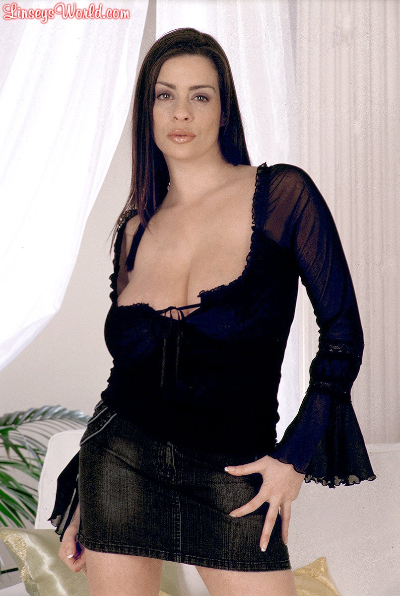Linsey Dawn McKenzie 'Long Cool Woman In A Black Dress' starring Linsey Dawn McKenzie (Photo 1)