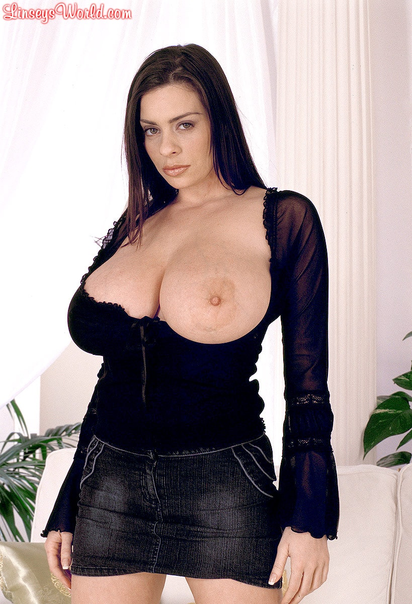 Linsey Dawn McKenzie 'Long Cool Woman In A Black Dress' starring Linsey Dawn McKenzie (Photo 5)