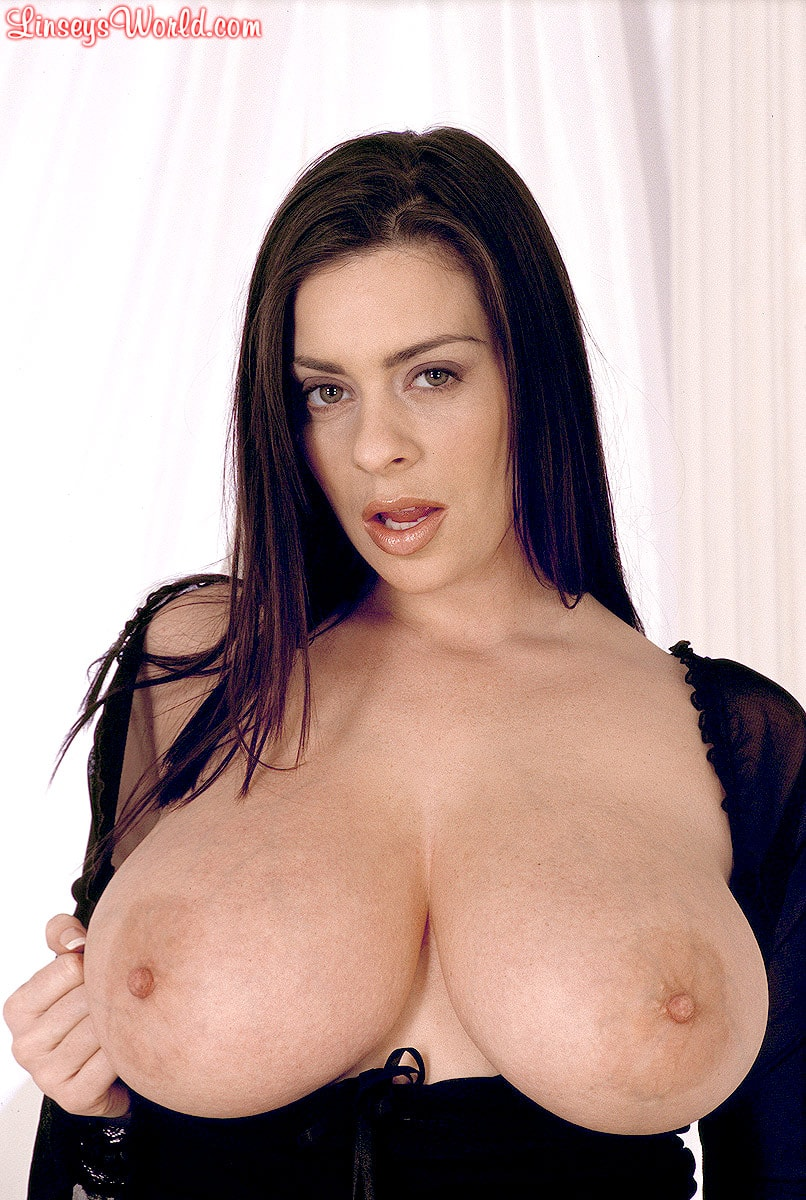 Linsey Dawn McKenzie 'Long Cool Woman In A Black Dress' starring Linsey Dawn McKenzie (Photo 6)