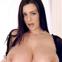 Linsey Dawn McKenzie in 'Linsey Dawn McKenzie' Long Cool Woman In A Black Dress (Thumbnail 6)