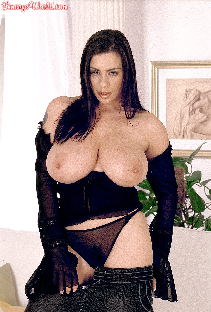 Linsey Dawn McKenzie 'Long Cool Woman In A Black Dress' starring Linsey Dawn McKenzie (Photo 9)