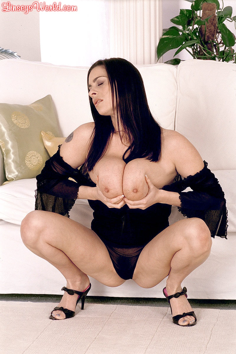 Linsey Dawn McKenzie 'Long Cool Woman In A Black Dress' starring Linsey Dawn McKenzie (Photo 14)