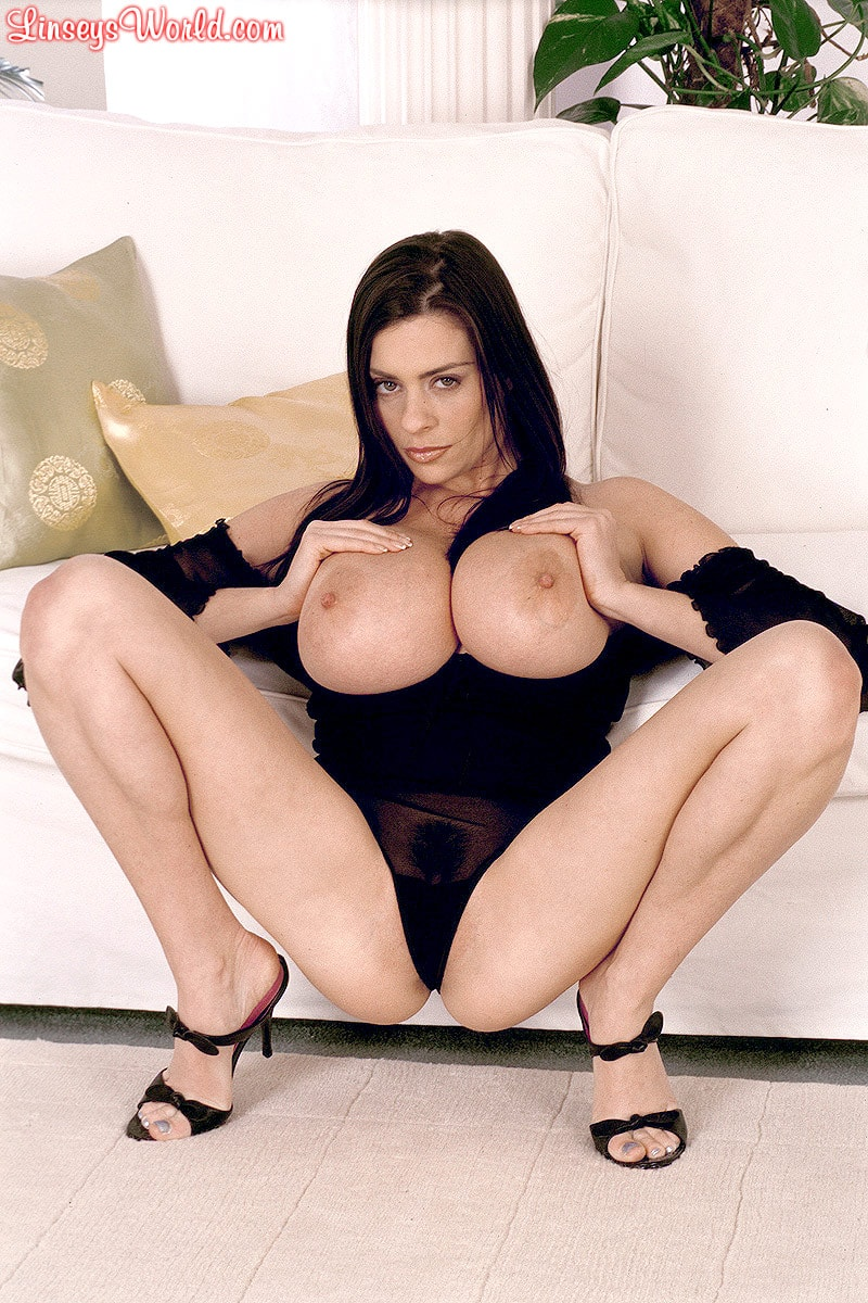 Linsey Dawn McKenzie 'Long Cool Woman In A Black Dress' starring Linsey Dawn McKenzie (Photo 15)