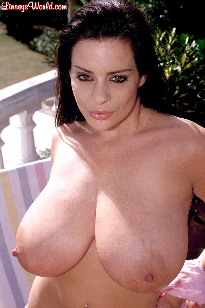 Linsey Dawn McKenzie 'Luscious Lounger' starring Linsey Dawn McKenzie (Photo 9)