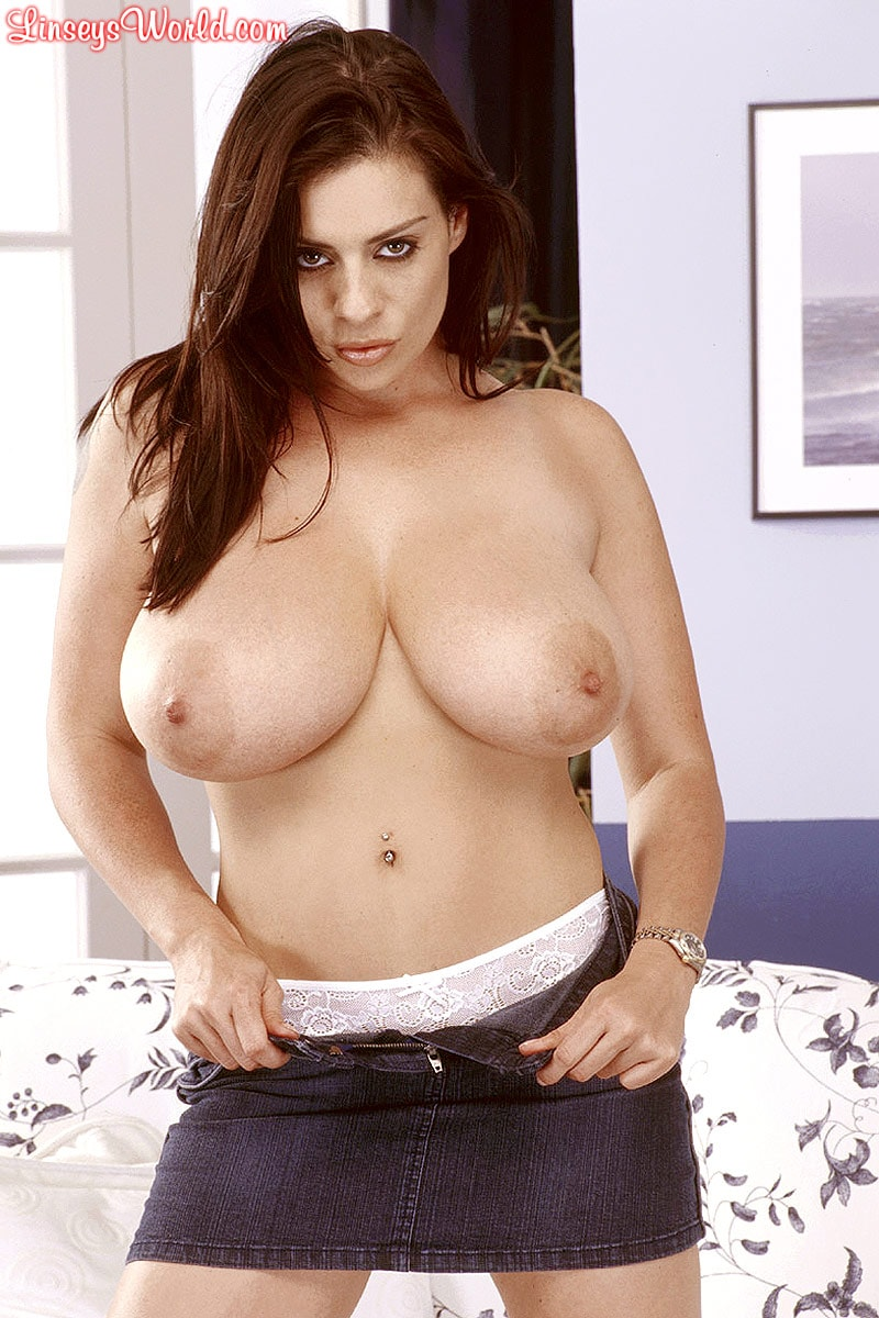 Linsey Dawn McKenzie 'Mini-Skirt Mania' starring Linsey Dawn McKenzie (Photo 12)