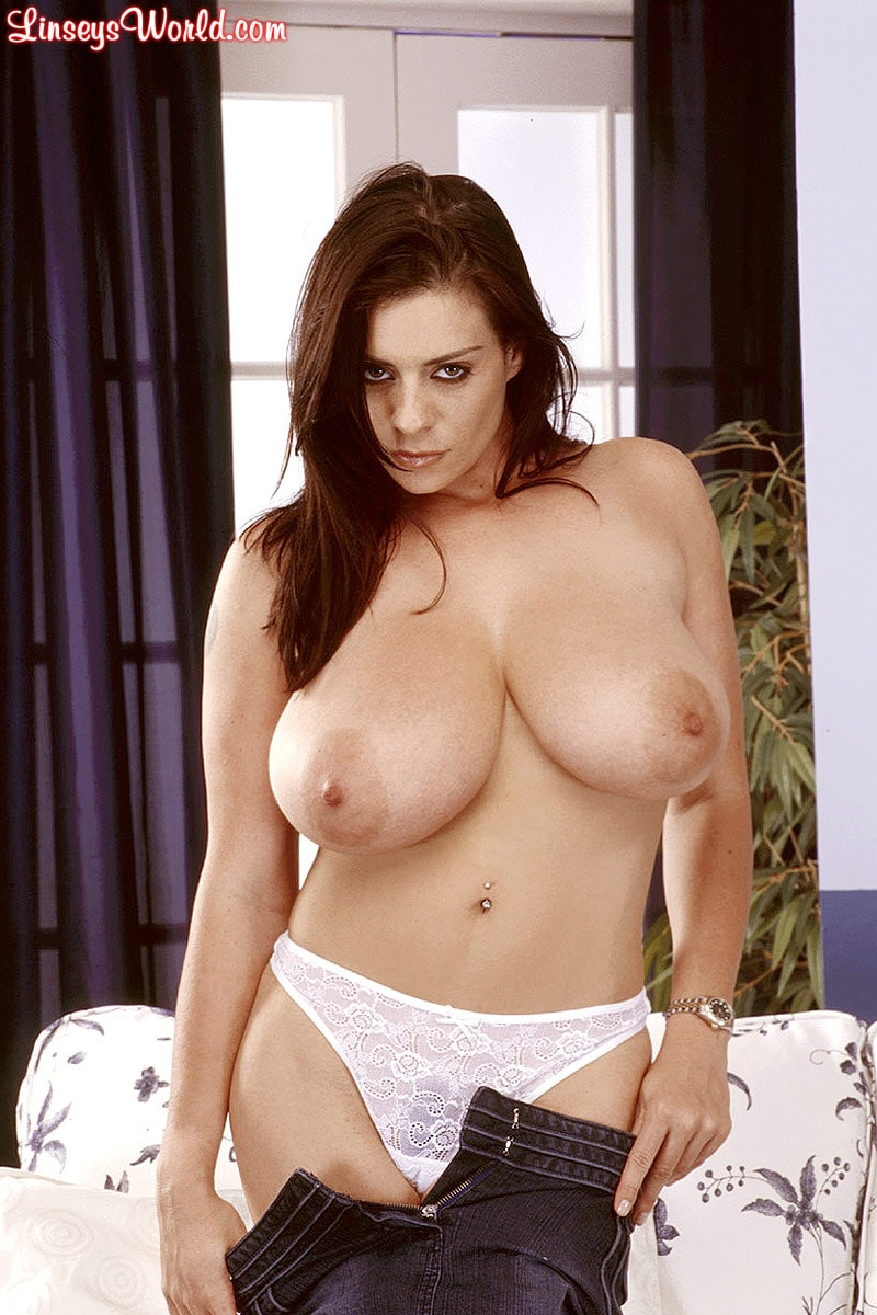 Linsey Dawn McKenzie 'Mini-Skirt Mania' starring Linsey Dawn McKenzie (Photo 13)