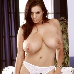 Linsey Dawn McKenzie in 'Linsey Dawn McKenzie' Mini-Skirt Mania (Thumbnail 13)