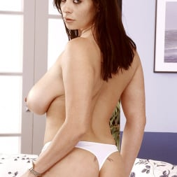 Linsey Dawn McKenzie in 'Linsey Dawn McKenzie' Mini-Skirt Mania (Thumbnail 14)