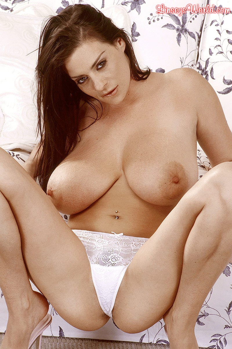 Linsey Dawn McKenzie 'Mini-Skirt Mania' starring Linsey Dawn McKenzie (Photo 15)
