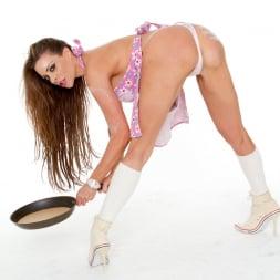 Linsey Dawn McKenzie in 'Linsey Dawn McKenzie' Pancake Fun (Thumbnail 5)