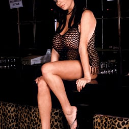 Linsey Dawn McKenzie in 'Linsey Dawn McKenzie' Passing The Bar (Thumbnail 1)