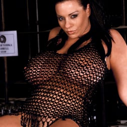 Linsey Dawn McKenzie in 'Linsey Dawn McKenzie' Passing The Bar (Thumbnail 2)