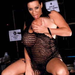 Linsey Dawn McKenzie in 'Linsey Dawn McKenzie' Passing The Bar (Thumbnail 11)