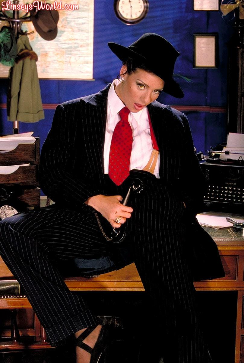 Linsey Dawn McKenzie 'Private Dick' starring Linsey Dawn McKenzie (Photo 2)
