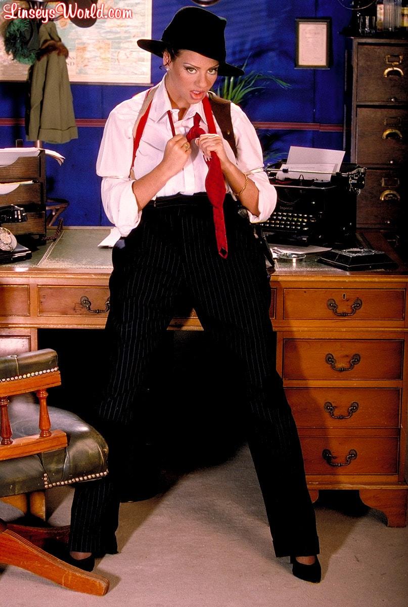 Linsey Dawn McKenzie 'Private Dick' starring Linsey Dawn McKenzie (Photo 9)