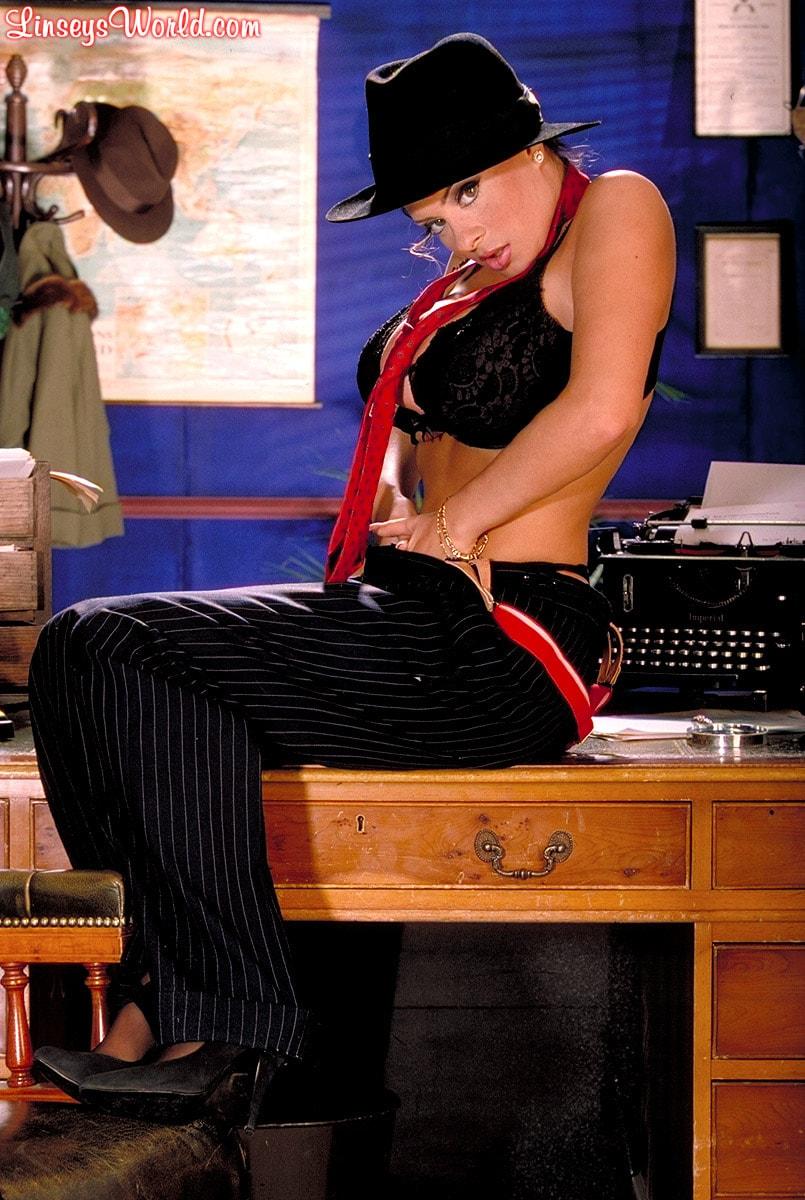 Linsey Dawn McKenzie 'Private Dick' starring Linsey Dawn McKenzie (Photo 10)