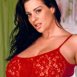 Linsey Dawn McKenzie in 'Linsey Dawn McKenzie' Red Dynamo (Thumbnail 1)