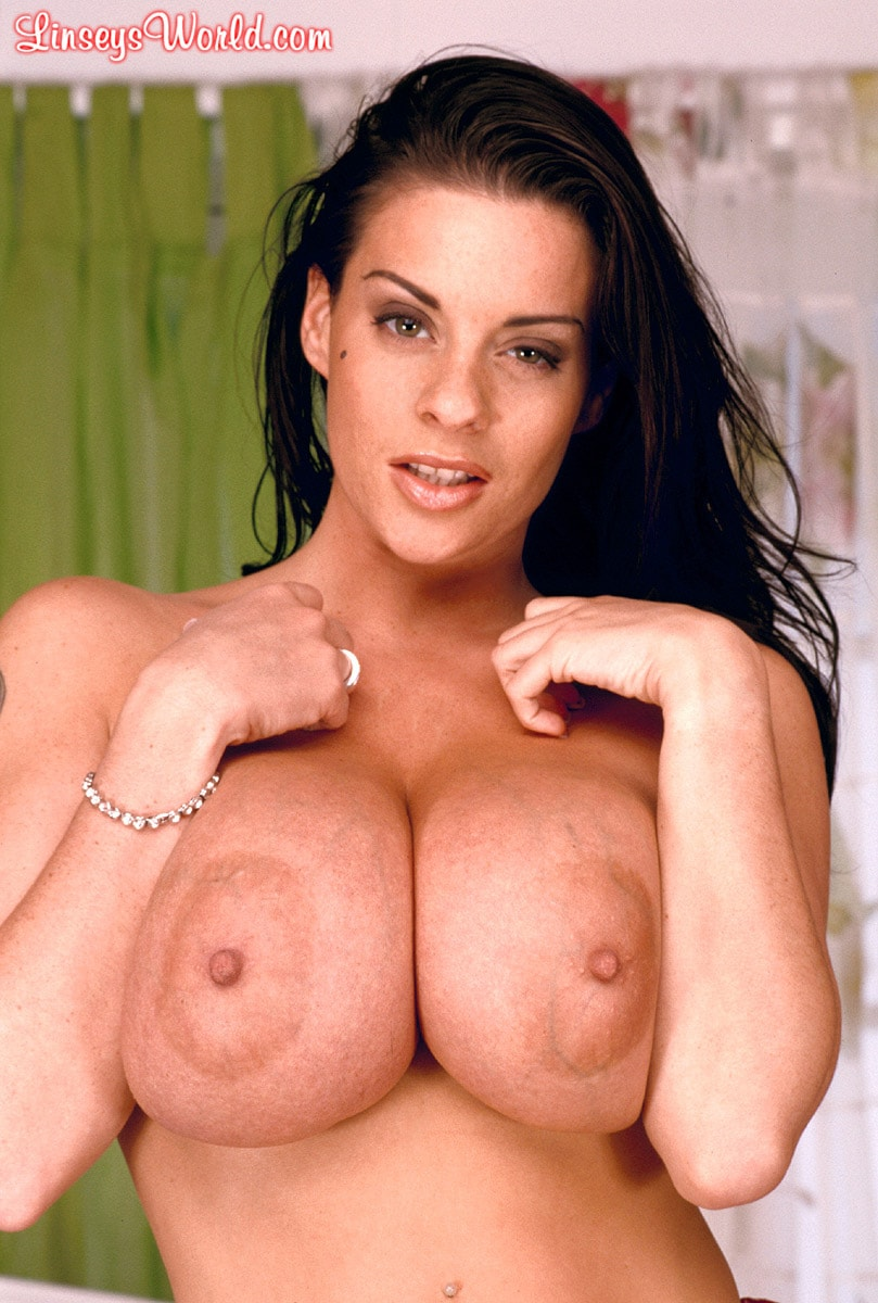 Linsey Dawn McKenzie 'Red Dynamo' starring Linsey Dawn McKenzie (Photo 8)
