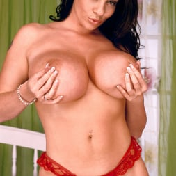 Linsey Dawn McKenzie in 'Linsey Dawn McKenzie' Red Dynamo (Thumbnail 11)