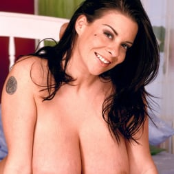 Linsey Dawn McKenzie in 'Linsey Dawn McKenzie' Red Dynamo (Thumbnail 16)