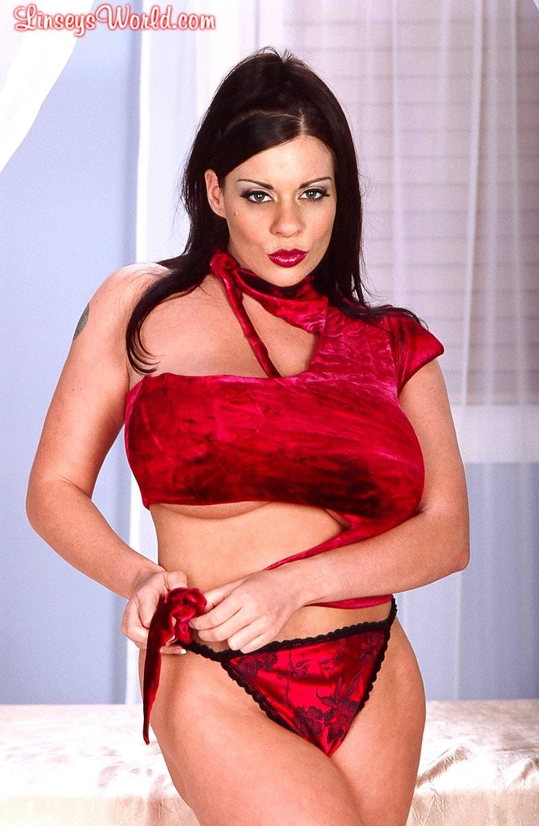 Linsey Dawn McKenzie 'Red Top' starring Linsey Dawn McKenzie (Photo 8)