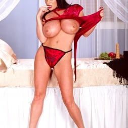 Linsey Dawn McKenzie in 'Linsey Dawn McKenzie' Red Top (Thumbnail 11)