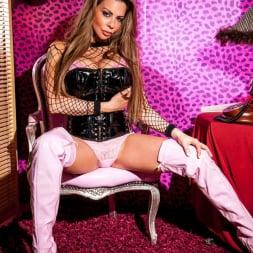 Linsey Dawn McKenzie in 'Linsey Dawn McKenzie' Sexy Boudoir Strip  (Thumbnail 1)