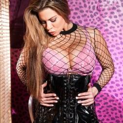 Linsey Dawn McKenzie in 'Linsey Dawn McKenzie' Sexy Boudoir Strip  (Thumbnail 4)