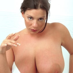 Linsey Dawn McKenzie in 'Linsey Dawn McKenzie' Share And Share Alike (Thumbnail 2)