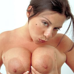 Linsey Dawn McKenzie in 'Linsey Dawn McKenzie' Share And Share Alike (Thumbnail 3)
