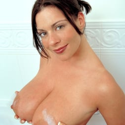Linsey Dawn McKenzie in 'Linsey Dawn McKenzie' Share And Share Alike (Thumbnail 7)