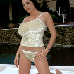 Linsey Dawn McKenzie in 'Linsey Dawn McKenzie' The Deep End (Thumbnail 1)