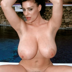 Linsey Dawn McKenzie in 'Linsey Dawn McKenzie' The Deep End (Thumbnail 7)